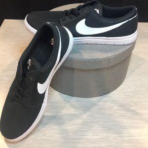 Nike Portmore Ultra-Light Black/White SB Shoe